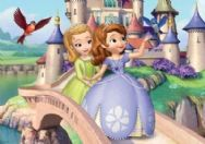 Sofia the First 20 Piece Jigsaw Puzzle - Strolling Design